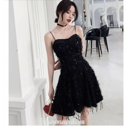 A-line Little Black Dress Semi Formal Dress Spaghetti Straps Knee-length  With SequinsBeading