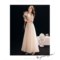 Elegant Ankle Length White Chiffon Evening Dress With Appliques Hanging Neck Short Sleeve Zipper Party Dress