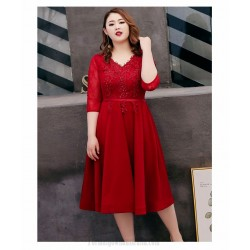 A-line Medium-length Red Spandex Plus Size Dress Lace-up V-neck 3/4 Sleeves Evening Dress With Appliques/Sequines
