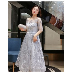Elegant Medium Length Silver Gray Plus Size Dress Half Sleeves Crew Neck Lace-up Evening Dress