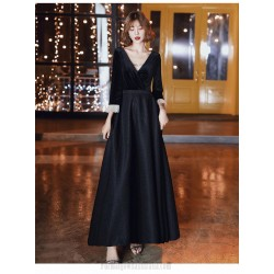 Noble Temperament Floor Length V Neck Lace Up Back Black Velvet Long Sleeve Formal Dress