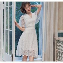Elegant Knee length White Lace Semi Formal Dress Zipper Back V neck