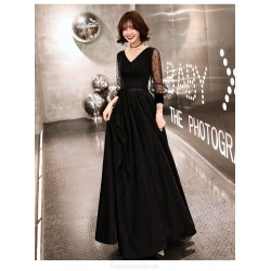 Noble Temperment A-line Floor length Black Tulle Long Sleeve Formal Dress Lace up V neck