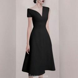 Sexy Medium Length Black Chiffon Semi Formal Dress Invisible Zipper Back V-neck