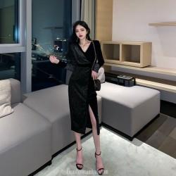 Noble Temperament Medium-length Black Velvet Long Sleeve Formal Dress With Slit/Sequines V-neck