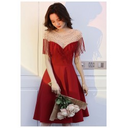 Fashion Knee Length Red Chiffon Semi Formal Dress With Tassels Sequines Zipper Back Crew Neck