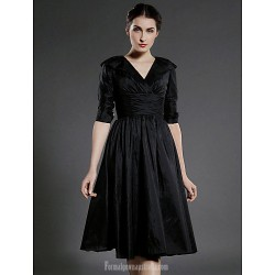 A-line Plus Sizes Dresses Petite Mother of the Bride Dress Black Short Knee-length Half Sleeve Taffeta