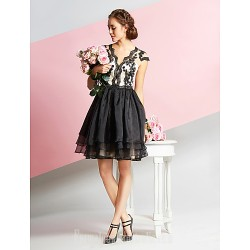 Australia Formal Dresses Cocktail Dress Party Dress White Black A-line V-neck Short Knee-length Lace Organza