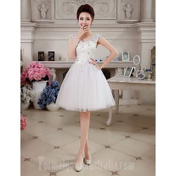 Australia Formal Dresses Cocktail Dress Party Dress White Ball Gown V Neck Short Knee Length Lace Tulle