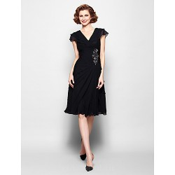 A-line Plus Sizes Dresses Petite Mother of the Bride Dress Black Short Knee-length Short Sleeve Chiffon